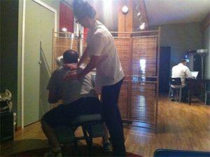 onsite-chairmassage-mobilespa-wellness-corporatemassage